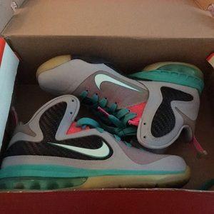 Nike Lebron South Beach Sneakers